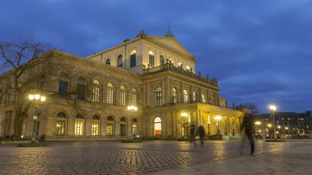 Hannover Opera House at winter evening. A theater built in classical style between 1845 and 1852. Time lapse. 4K. 影像素材