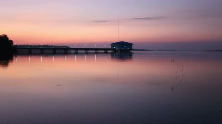 realeza : Reservoir Dokkrai view sunset Water reflection at rayong,thailand