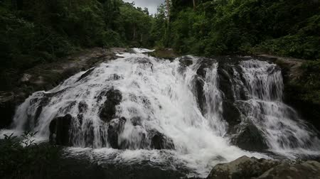 зелень : Khao Soi Dao waterfall in Chanthaburi, Thailand
