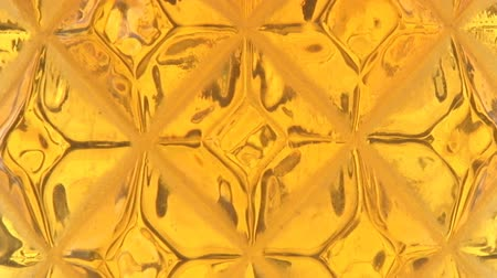 faceted beer bubbles