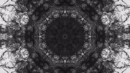 симметричный : Kaleidoscopic black white animated background loop
