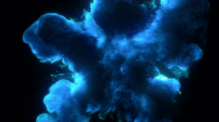 inkoust : Blue Color Burst - colorful smoke powder explosion fluid ink particles slow motion alpha matte isolated on black Dostupné videozáznamy