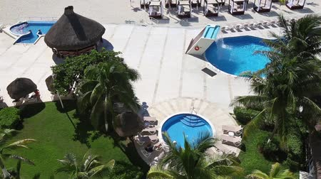 kuba : Luxury hotel with a swimming pool in Cancun, Mexico