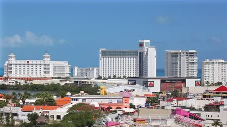 mexicaans : MEXICO, CANCUN - 6 maart 2015: Zone Hotelera Stockvideo