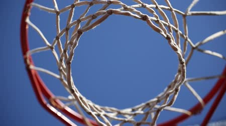 abroncs : Basketball hoop on a blue sky background Stock mozgókép