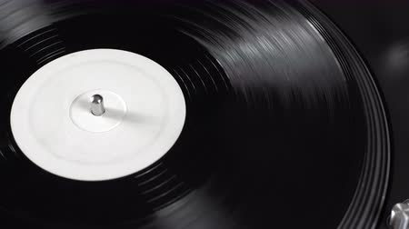gravar : Record on spinning turntable Stock Footage