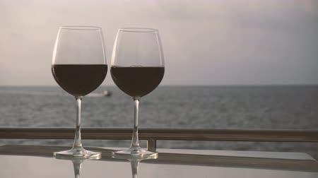 maldivas : Romantic luxury evening on cruise yacht with winery setting
