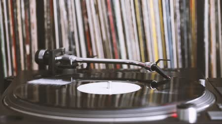 vinil : Listening the music
