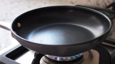 cooktop : Empty frying pan on gas oven