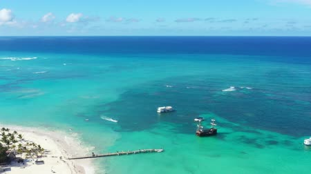 speedboats : Aerial view on tropical beach of caribbean sea with speedboats