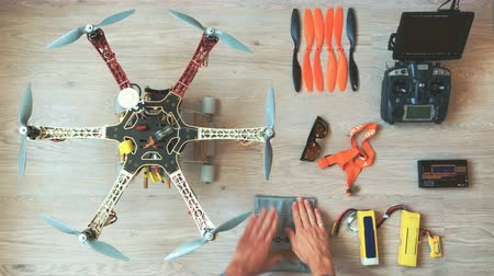 bükülme : Custom drone (hexacopter) testing and run on the wooden floor