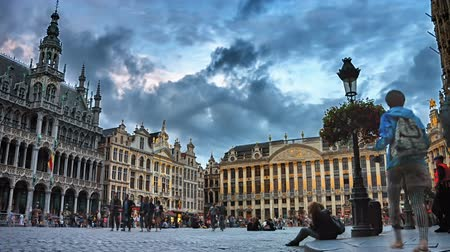 bélgica : Grand Place square at sunset. Timelapse. Brussels, Belgium. Full HD, 1080p Stock Footage