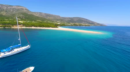 hırvatistan : Aerial view from distance of beautiful sandy bay in Bol on the island of brac, Croatia.
