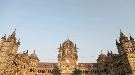 Виктория : MUMBAI, INDIA - 17 JANUARY 2015: View on Chhatrapati Shivaji Terminus, train terminal in Mumbai.