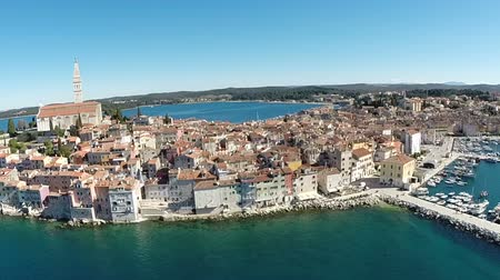 hırvatistan : Aerial view of the old town and sea surrounding Rovinj, Croatia