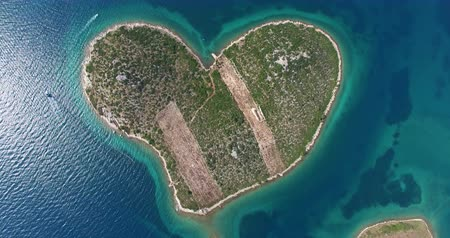 hırvatistan : Aerial view of beautiful small Island of Galesnjak, also called Island of Love, located in Pasman channel, Croatia