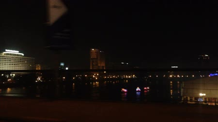 kahire : Night view of Cairo and boats on Nile in Egypt