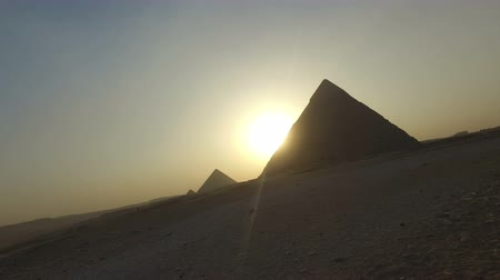 piramit : View of Giza pyramids at sunset, Egypt
