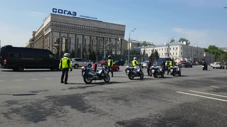 kíséret : MAY 05, 2018 MOSCOW, RUSSIA: Russian road polis officers team on the street.