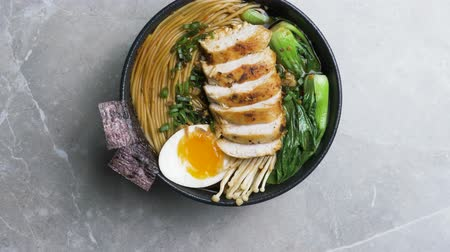 ramen : Japanese ramen hot noodle with chicken