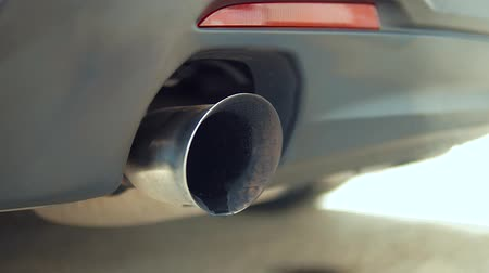 монтаж : Exhaust Pipe sport car Стоковые видеозаписи