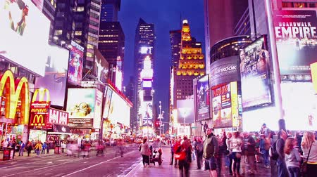 quadrado : Time lapse of Times Square traffic at evening