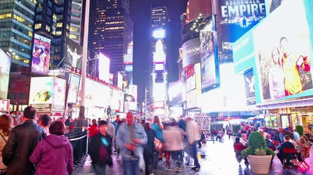 quadrado : Time lapse of Times Square traffic at night