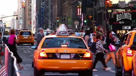 signe plus : New York taxi jaune
