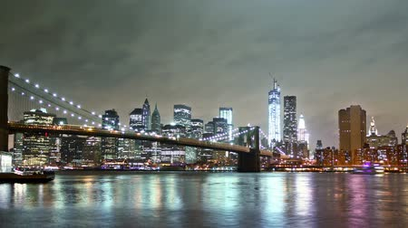 no traffic : New York skyline and Brooklin bridge view, time lapse