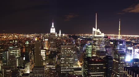 felhőkarcoló : time lapse of New York skyline at night