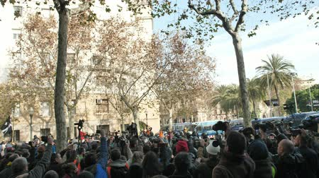 протест : Barcelona, Spain 12.21.2018 : Catalan nationalist uprising against the government and police of Spain in Barcelona