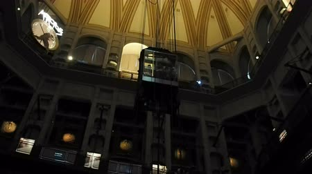 çatı : August 2018: The Mole Antonelliana is the seat of the National Cinema Museum. The most important historical and artistic exhibition on cinema in Italy. August 2018 in Turin Stok Video