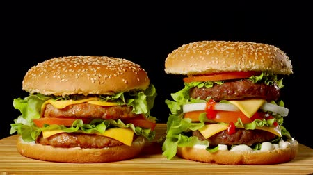 fast food : Delicious grilled burgers