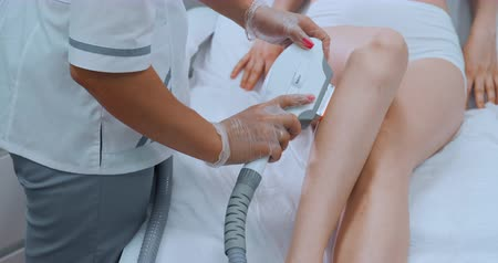 закрытыми глазами : Laser epilation and cosmetology. Hair removal cosmetology procedure. Laser epilation and cosmetology. Cosmetology and SPA concept