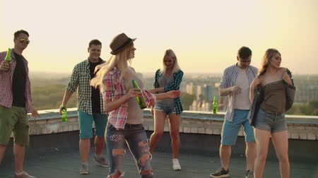 ziyafet : Dancing with friends on the roof Stok Video