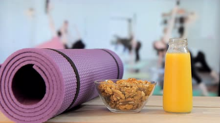 morele : Healthy eating with yoga,Yoga class