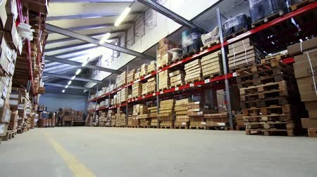 general view of the warehouse with boxes and furniture Wideo