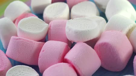 şeker : Marshmallow Candies close up Stok Video