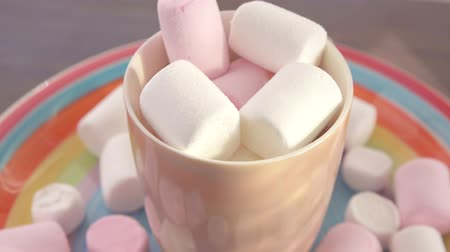 caramelle gommose : marshmallow in the Cup ruota