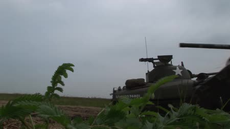 katonai : American world war two tanks in action