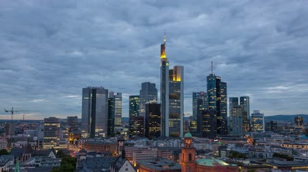 Франкфурт : Frankfurt Main downtown time lapse video from dusk to night.