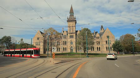 passageiro : Toronto, Canada - Oct 15, 2017: Streetcar at the University of Toronto. Daniels Faculty in the city of Toronto. Province of Ontario, Canada