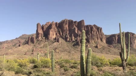 kaktusz : Zoom out. Superstition Mountains located in Lost Dutchman State Park in Apache Junction, Arizona. The park is famous for the legend of a gold mine somewhere in the park discovered by a German immigrant named Jacob Waltz back in 1891.