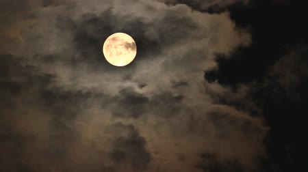 célere : The full moon, supermoon which clouds flitter accross -fast forward edited, Seoul, Korea Vídeos