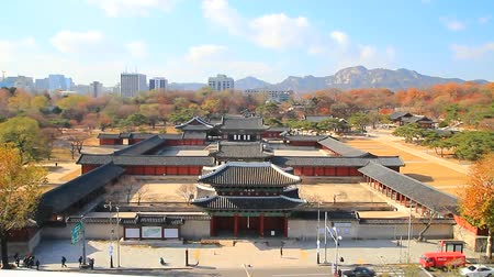 korejština : the front view of Changgyeonggung Palace, national park, ancient place, Seoul, Korea, fast forward 27x