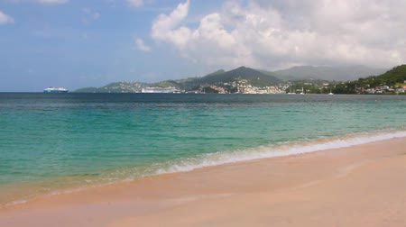 conhecido : Gulf and beach on tropical island. Grand Anse, St. Georges, Grenada