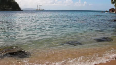Gulf Indian-Bay. Kingstown, Saint Vincent en de Grenadines Stockvideo