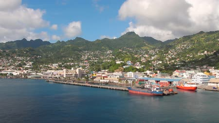 Haven en stad op het eiland in de Caribische zee. Kingstown, Saint Vincent en de Grenadines