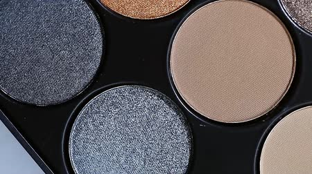продукты : set of cosmetic eye shadow close-up