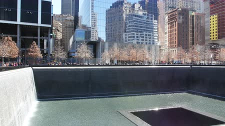 терроризм : New York City 911 Memorial in Manhattan Стоковые видеозаписи